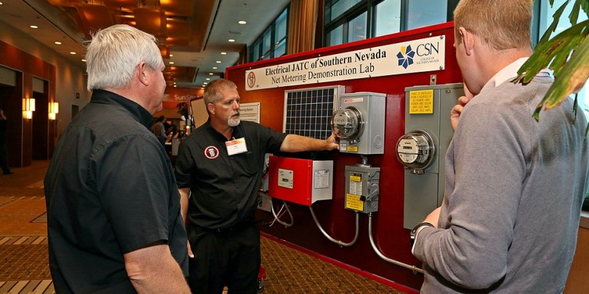 Demonstrating net metering technology